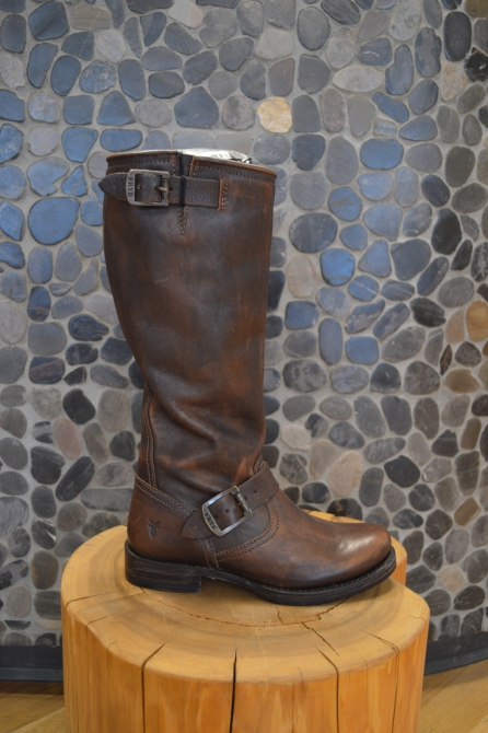 FRYE Slouchy Boots in Brown