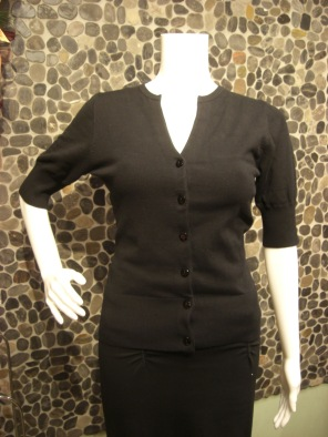 Half sleeve v neck cardigan
