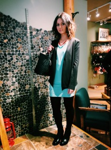 Blazer and Shirt: Colletta, Pants: AG Jeans, Necklace: Beads by Gosh, Bag: Guess