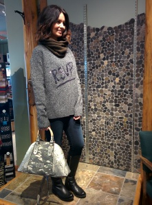 Sweater: French Connection, Jeans: Mavi Gold, Bag: Guess, Scarf: Oleanna Zylak